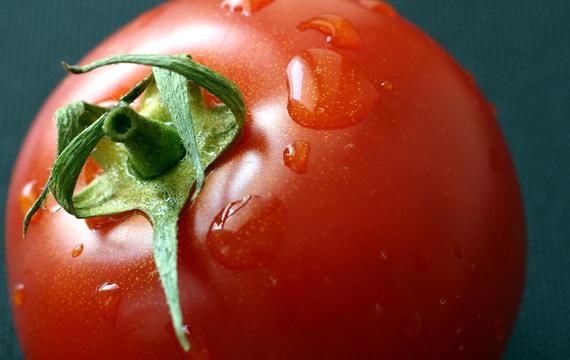 Jak łatwo obrać pomidory ze skórki